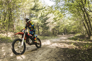 Trailbikes and 4-Wheel Drives